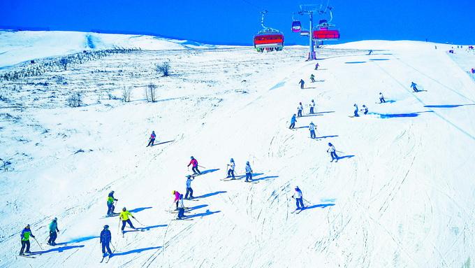 2022年冬奥会场地之一的张家口市崇礼区云顶滑雪场  邓伟 摄资料图图片